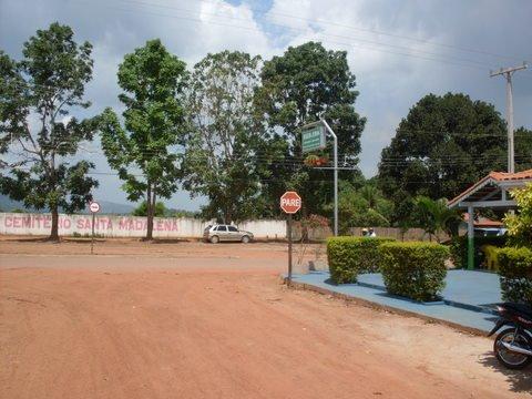 O Tucunaré com vista pro cemitério