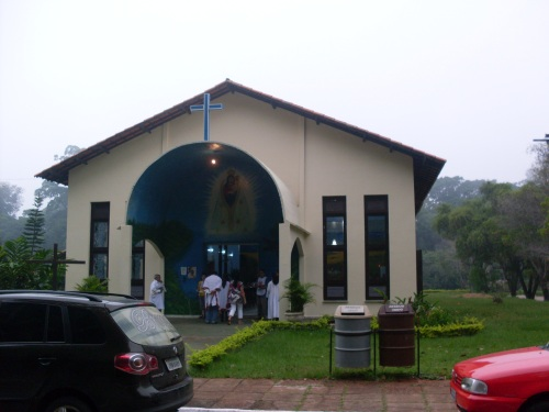 A igreja por fora depois da tormenta...